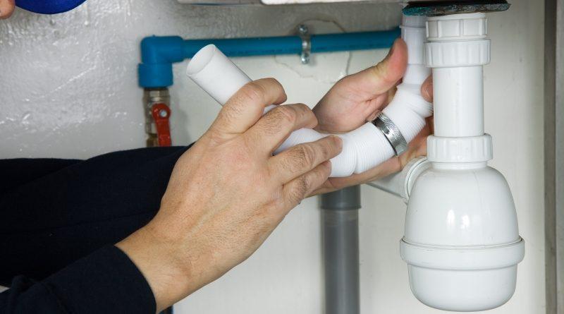 Comment réparer un évier ou un lavabo qui fuit ?